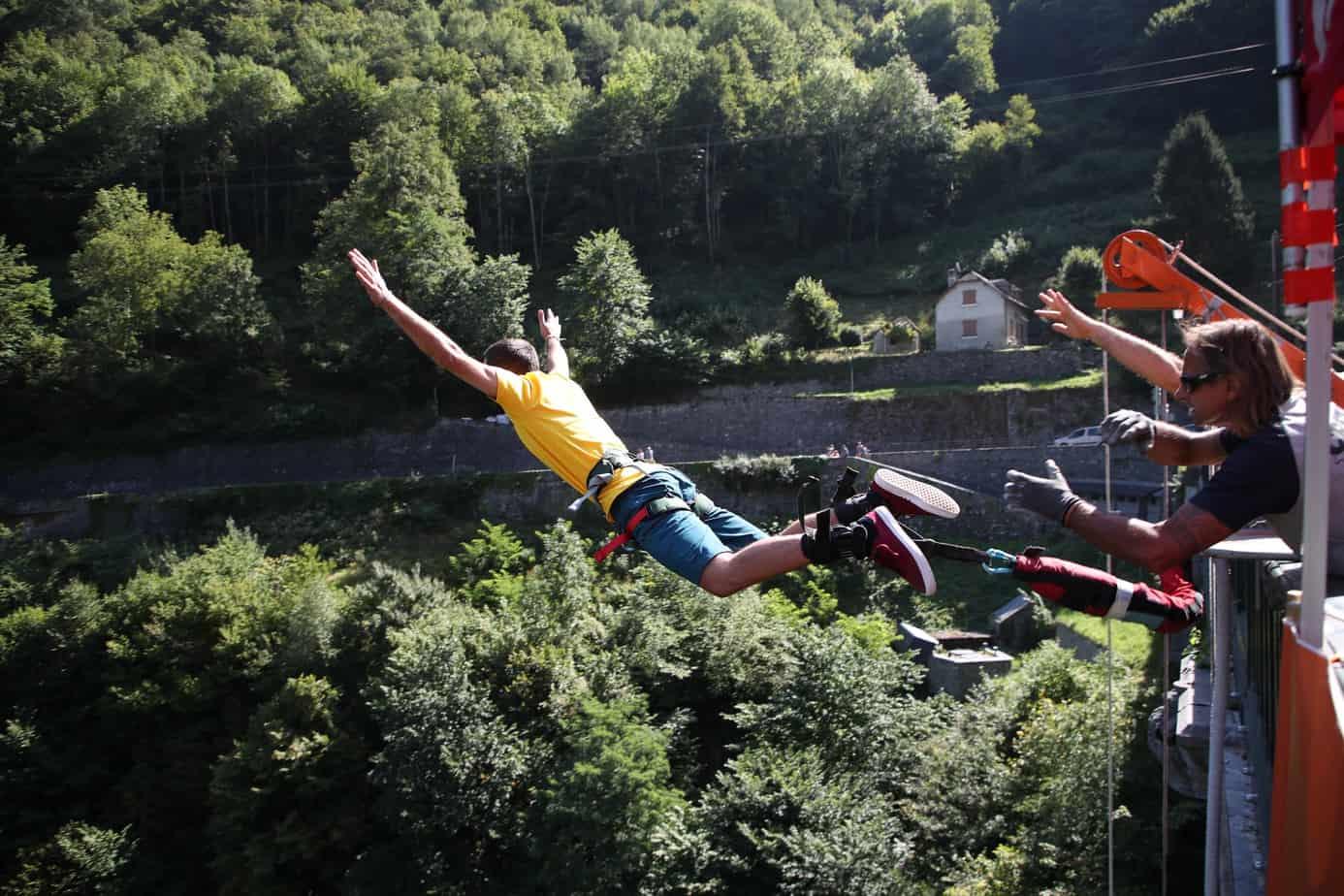 saut elastique pont napoleon luz st sauveur midi pyrenees toulouse bordeaux tarbes pau lourdes hautes pyrenees pyrenees orientales.