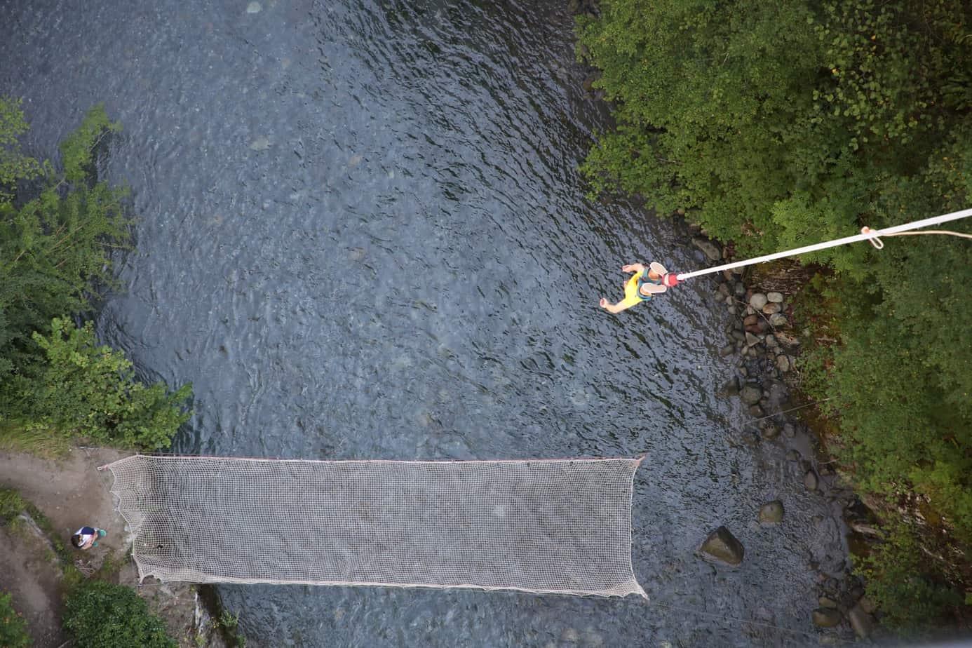 saut-elastique-pont-napoleon-luz-st-sauveur-pyrenees-orientales-pres-de-lourdes-bordeaux-toulouse-tarbes